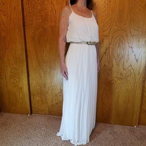 Bisou Bisou Cream Dress, Gold Belt, Sz 6.